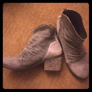 🐴 Rebels Two Toned Suede Leather Boots SIZE 7